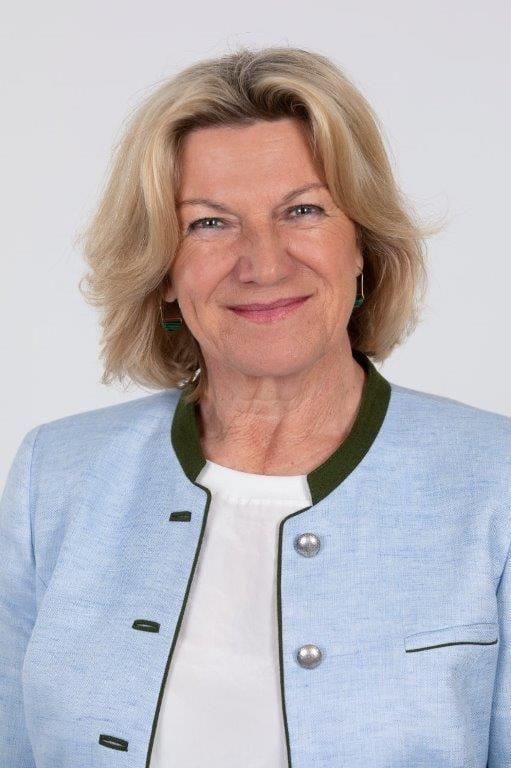 Angelika Bots Hoelzl